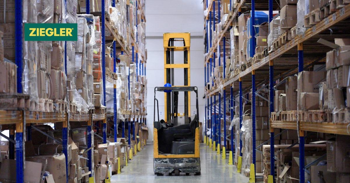 Flexibilité et fiabilité – la base d'une logistique réussie dans le secteur des équipements de protection individuelle.